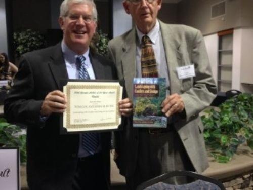 ACS Members John Ruter and Tom Cox accepting award